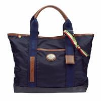 大きくて収納力も満点のバッグ!カジュアルシーンにもってこいです。ちょっとした小旅行のバッグにもいいか...
