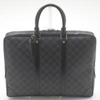 おしゃれなダミエのビジネスバッグです!ポケット豊富で書類やPCなどの整理整頓にとっても便利です!ビジ...