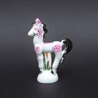 ドイツの名窯、マイセンのミニ干支シリーズの2014年(馬年)のフィギュリン(レッド)。  日本向けに...