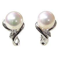 真珠 パール イヤリング シンプル 送料無料 ギフト対応  あこや真珠の魅力は何といっても上品かつ優...