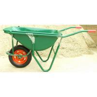 容量たっぷりの一般的な一輪車です。 生コンや土などを入れて運ぶのによく使用されます。