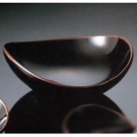白山陶器の作品です。コロンとしたかわいい器です手のひらで包み込むようなフォルムは料理からアクセサリー...