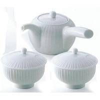 白山陶器の作品です。シンプルな白磁にレリーフ(浮き彫)をほどこし、シャープに仕上げました ●商品仕様...