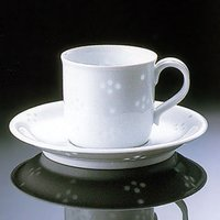 白山陶器の作品です透かし彫りに釉薬を埋め込んだ伝統的な「ほたる手」の技法をモダンにデザインしたコーヒ...