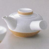 白山陶器の作品です。千筋彫りにしっとりとした錆染付の模様が美しい逸品です ●商品仕様 【急須】  径...