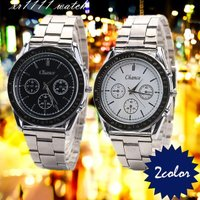 シンプルで使いやすい腕時計が登場!  ブラックとホワイトの2色をご用意  お使いのシーンに合わせてお...