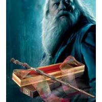人気シリーズ映画ハリーポッターに登場するキャラクター達が愛用する魔法の杖のレプリカモデル。 各キャラ...