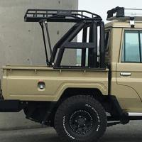 ランドクルーザー GRJ79用 ロールバーWithカーゴキャリア スチール製に特殊塗装を施した79用...