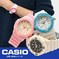 CASIOからスモールサイズのカジュアルな腕時計。 日付表示、回転ベゼル搭載のデザイン。 樹脂製のケ...