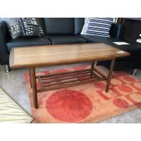 カリモクの定番の初期モデルのテーブルです。  サイズ:W85×D47×H45cm  カラー:ウォール...