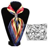 ノーブランド品 ファッション 女性 レディース スカーフリング バックル ローズパターン シルバー