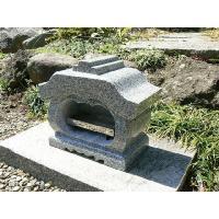 お墓用の中国産白御影石(G614)の宮型香炉・香皿付です。   《香炉サイズ》   ● 間口  : ...