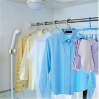 お風呂場に洗濯物を干せる浴室用ステンレス超強力伸縮棒です。ネジやクギを使わずに浴室の壁にしっかりと固...