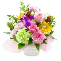 お花のタイプが選べるフラワーギフト  花束 フラワーアレンジメントの写真はイメージです。  花材はデ...