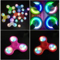 海外やテレビで大人気! ハンドスピナーHand spinner LEDライト付き! アウトレット商品...