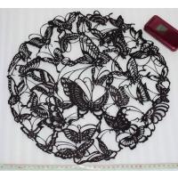 中国の切り紙細工は細かい手作業が特徴だが、色彩も独特です。 特に黄土高原地域の陝西省陝北地方の切り絵...