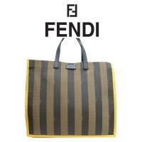 ブランド:フェンディ(FENDI) 商品番号:8bh235 素材:レザー×ファブリック カラー:TA...