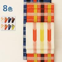 カジュアルな仕立上がり細帯。日本的な柄ながらポップなカラーリングが現代風ですね。裏側は単色柄入りなの...