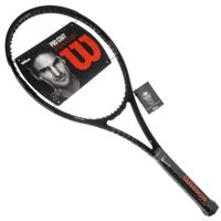 「最小限のデザインで最高のラケット」をというコンセプトからフェデラーのタキシード姿からのインスピレー...