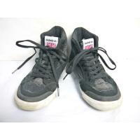 USED品正規品のアドミラル(韓国製)のスニーカーのサイズ23.0cmの箱ナシです。 サイズは実測で...