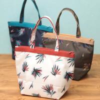 ◆商品について   ありそうでなかった、オシャレで爽やかな保冷バッグが入荷しました☆ シャカシャカと...