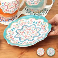 ◆商品について  レトロなお花模様が入ったプレートです。 筆で絵の具をカラーリングしたような色づきが...
