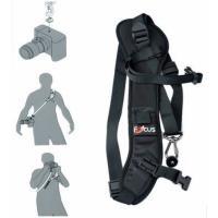 保護と快適さのためにカメラに適用。長さ調節可能なバックル付き。  幅広いストラック設計には背中の筋肉...