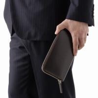 カードポケット:12枚 サイズ(約):10.5cm×20cm×2.5cm 素材:コードバン革(馬のお...