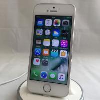 〜〜製品紹介〜〜  本商品はアメリカ版iPhone5s simフリーです。  付属品:ライトニングケ...
