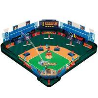 ピッチャーの投球が本物の様に飛ぶ「3Dピッチング機能」を搭載!野球盤史上最大級のフィールド面積に加え...