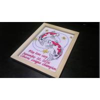 生地カラー:生成り  刺繍糸カラー :朱色ラメ、ブラックラメ、水色ラメ、金、赤 フレームサイズ:約2...