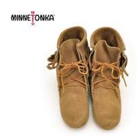【MINNETONKA-ミネトンカ】 レースアップフリンジ付きショートブーツ  MINNETONKA...