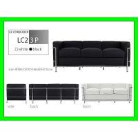 【商品情報】  ル・コルビジェ LC2 3P   かっこよく、直線的なデザイン 座る部分には最高級の...