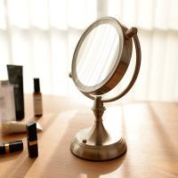拡大率5倍の鏡とLEDライトでお肌のシミ、シワ、たるみ、毛穴の汚れや化粧のりまでしっかり見える卓上拡...
