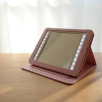 メガネ屋が作った高級卓上拡大鏡。タブレットタイプ。 拡大率3倍のミラーとLEDライトがお肌のシミやた...