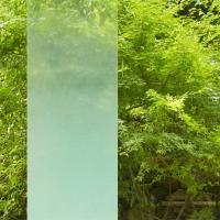 ガラスフィルムでおしゃれに目隠し対策!  カーテンやブラインドを閉めないと外から丸見えだった窓に貼っ...
