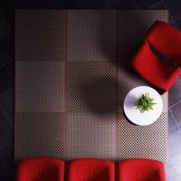 リビングに気軽に使えるフロア畳です。  畳表には目の細かい織り(目積織)を採用し、中材には木質ボード...