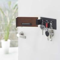 家や車の鍵が掛けられるフックです。 内側にトレイが付いているので印鑑を置いても便利!  天然木の美し...