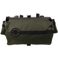 汎用性の高いハンドルバーバッグ。 6L〜10Lという大容量のメインコンパートメントに加え、本体はロー...