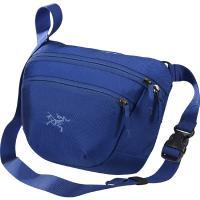 日常の用事をこなしたり、海外旅行のお供にぴったりなこの小さなバッグは、携帯・スマホやお財布・鍵などと...