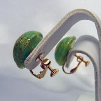 イタリア製ベネチアンビーズ緑と金のクリップイヤリング|vivace-yokohama|04
