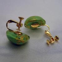 イタリア製ベネチアンビーズ緑と金のクリップイヤリング|vivace-yokohama|05