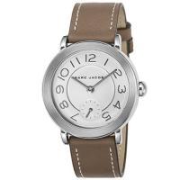 マークバイマークジェイコブス(MARC BY MARC JACOBS)の腕時計です。  マークバイマ...