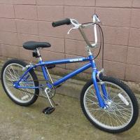 ビーエムエックス(ブルー) /  BMX(Blue)  オールドスタイルの「BMX」。 少しアダルト...