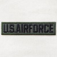 サイズ(約):タテ2.6cm×ヨコ11cm  カーキ/ブラック。横長四角形。U.S.AIR FORC...