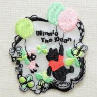 ディズニーの人気キャラクター・くまのプーさん&ピグレットのシルエットの刺繍が施された、かわい...