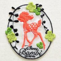 ディズニーの人気キャラクター・子鹿のバンビのシルエットの刺繍が施された、かわいいワッペンです。 クロ...