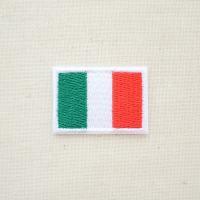 シンプルなイタリア国旗の刺繍ワッペン・アップリケ。  こちらはミニサイズ(500円玉ほどの大きさ)の...