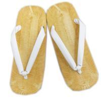 成人式&結婚式の紋付袴の礼装時にはやっぱり白鼻緒     礼装用だけでなく、お祭りや花火大会の浴衣&...