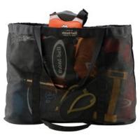 製品説明ウォータースポーツのギアなどの持ち運びに便利なメッシュ製のトートバッグです。細かなキャンプ道...